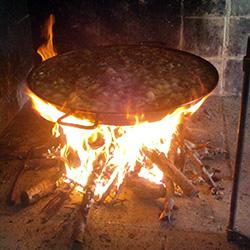 paella-valenciana-tradicional-foc